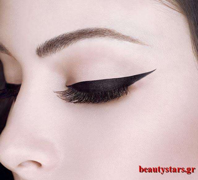 the-ultimate-black-eyeliners-L-Cr8aTv
