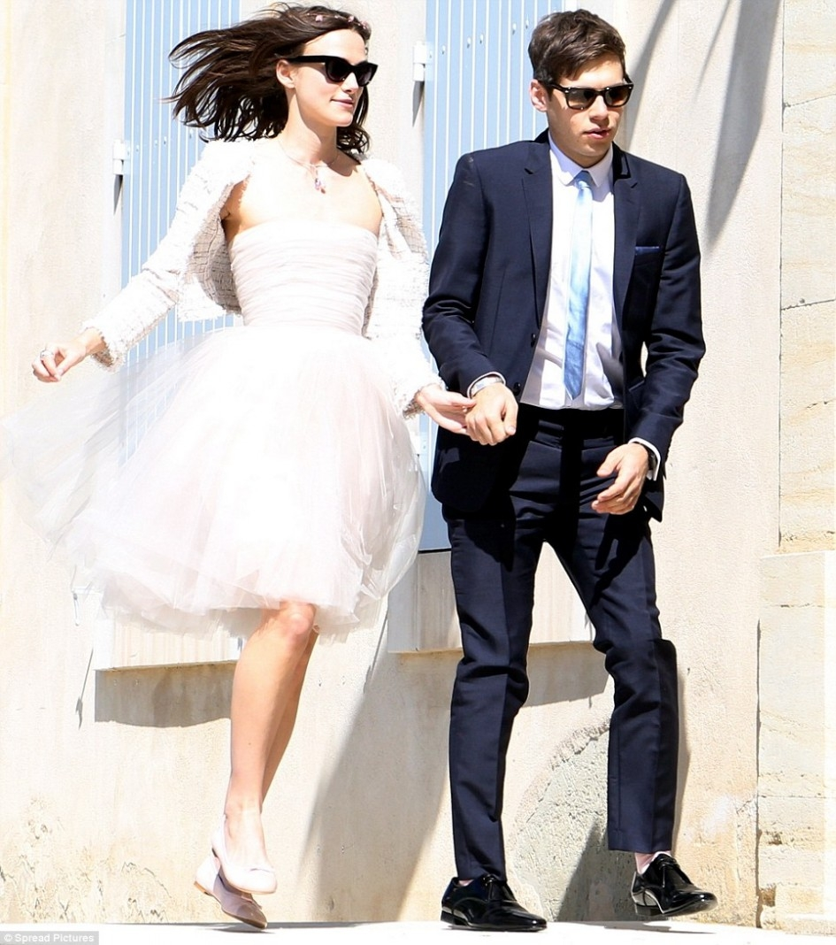 beautystarsgr-Keira-Neightly-wedding