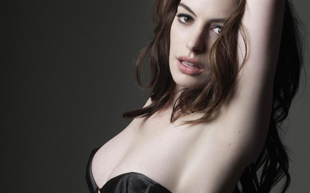 Anne-Hathaway-photo