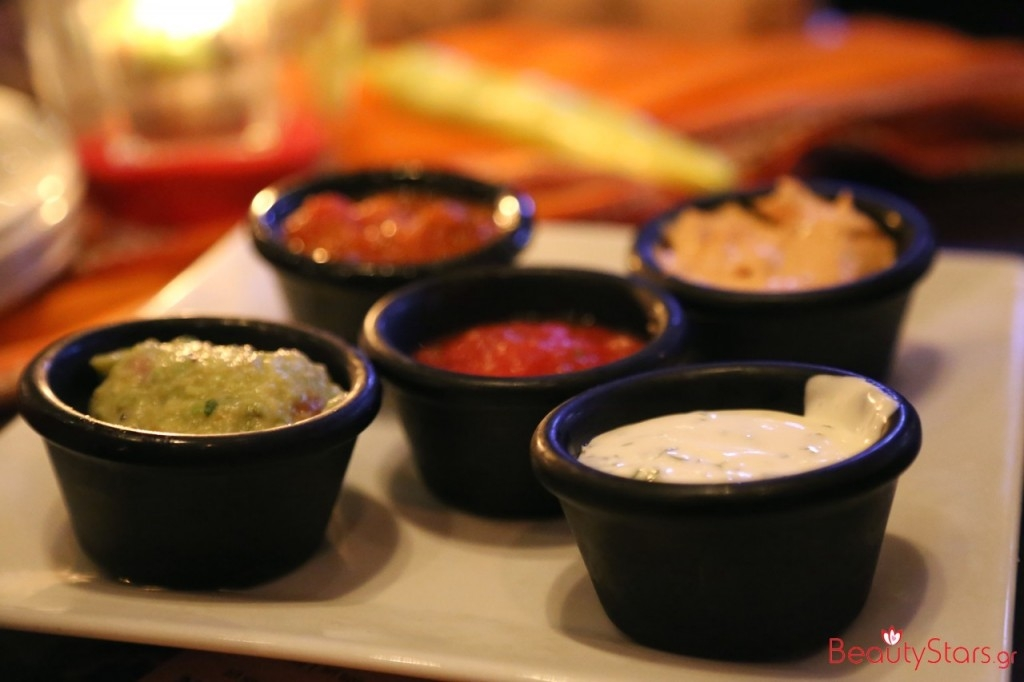 #MexicanAntojitos tgifridaysgr mexican party289