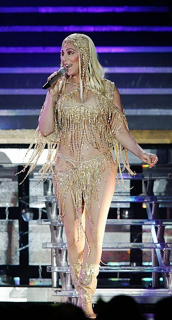 cher-performing-in-2004