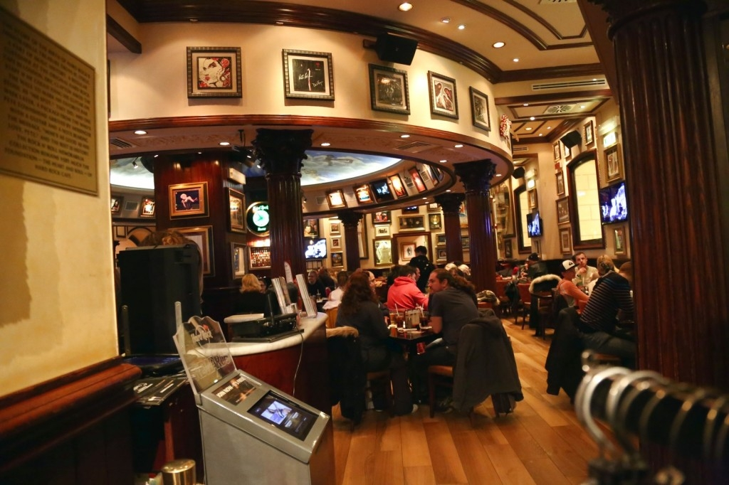 hard rock cafe rome beautystarsgr (8)