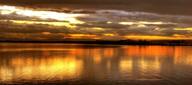 lakeside-sunset-4-1387093-1279x569