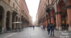 bologna-italy-happy-traveller-10-1024x579